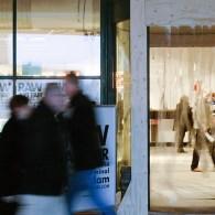 Art Rotterdam is de beurs waar men hedendaagse kunst kan zien en koopt. Een aantal jaar geleden viel Bob Smit op dat het beleid wel erg gericht was op neo-conceptuele […]