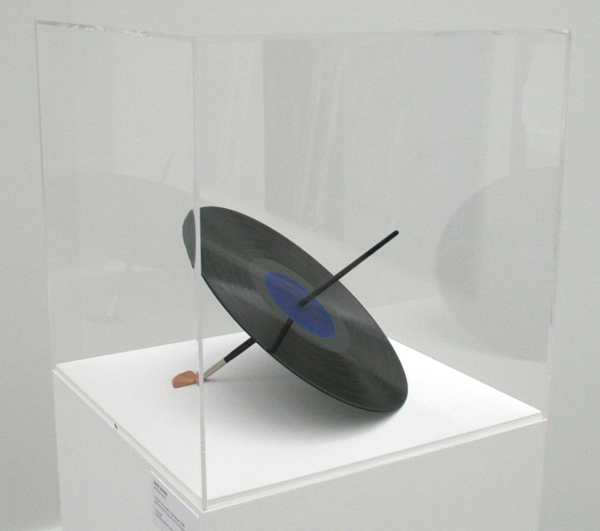 Rene Daniels - Het Object - Grammafoonplaat, penseel en verf