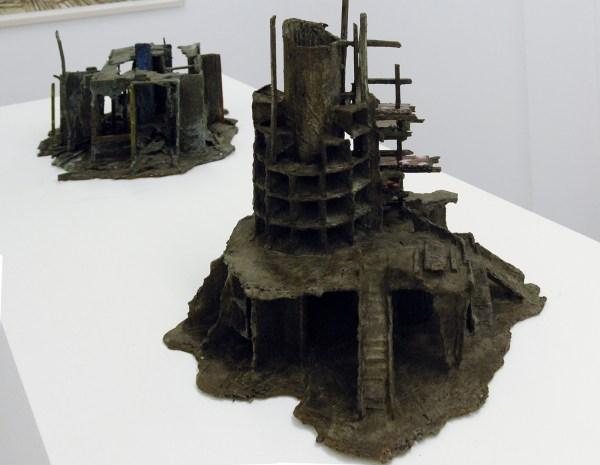 Rob Voerman - Incinerator #1 - 48x46x48cm Brons en glas & Settlement #1 - 37x29x47cm Brons en karton
