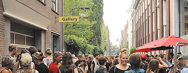 Vandaag opende de Best of Graduates bij Ron Mandos. Omdat de galerie verbouwd wordt is de tentoonstelling dit jaar bij Witteveen Art Centre in plaats van aan de Prinsengracht. Het […]