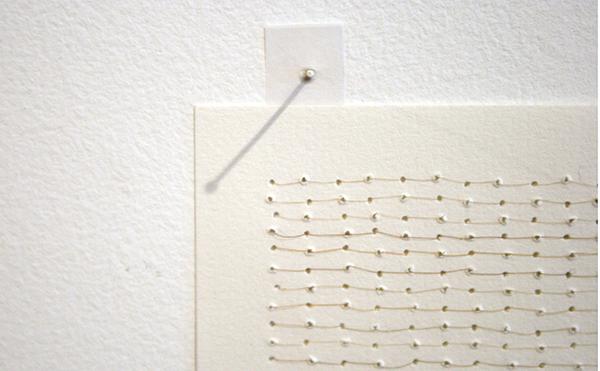Sarah van der Lijn - Horizontaal - 15x21cm Haar van de kunstenaar en papier (detail)