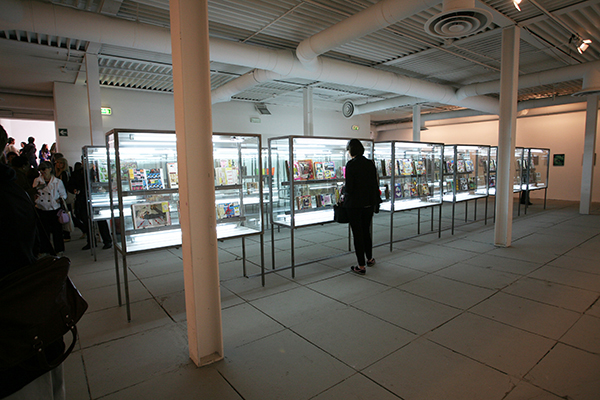 Shinro Ohtake, Scrapbooks #1-66, 1977-2012, installation view