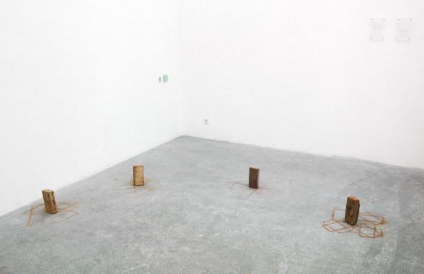 Simon Weins (op de vloer), Emma Grout (beide muren)