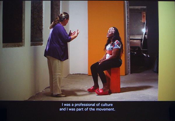 Wendeline van Oldenborgh - Bete & Deise - 41minuten HD video (Cinema in architecturale structuur ontworpen voor de Vleeshal)