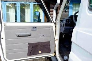 LOST TRACK Toyota Land Cruiser HZJ 78 Seitentaschen Ordnung Carhartt LOST TRACK Reiseblog - Startschwierigkeiten Pleiten Pech und Pannen