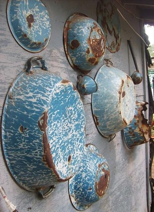 Ideas for Vintage Enamelware