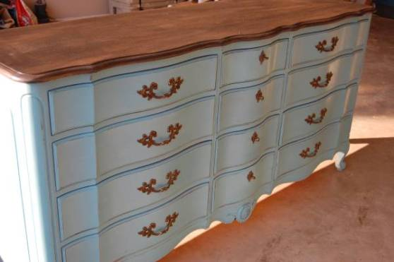Painting-Furniture-With-Chalk-Paint-blue-stained-top - Do's & Dont's: Painting Furniture With Chalk Paint / Milk Paint