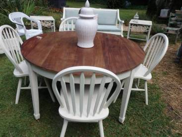 Painting-Furniture-With-Chalk-Paint-white-stain