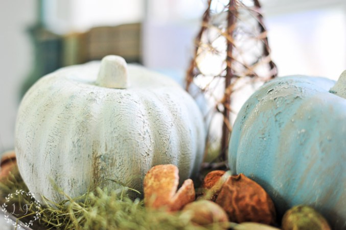 pumpkin-painted-with-white-and-blue-paint
