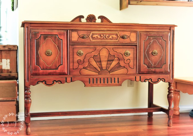 antique-buffet-paint