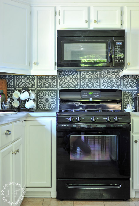 kitchen-tile-stencil-makeover