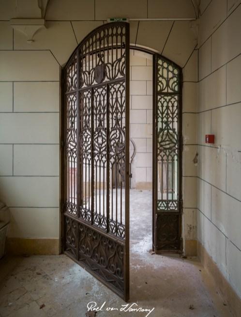 Chateau Harry Markus Urbex France-14.jpg