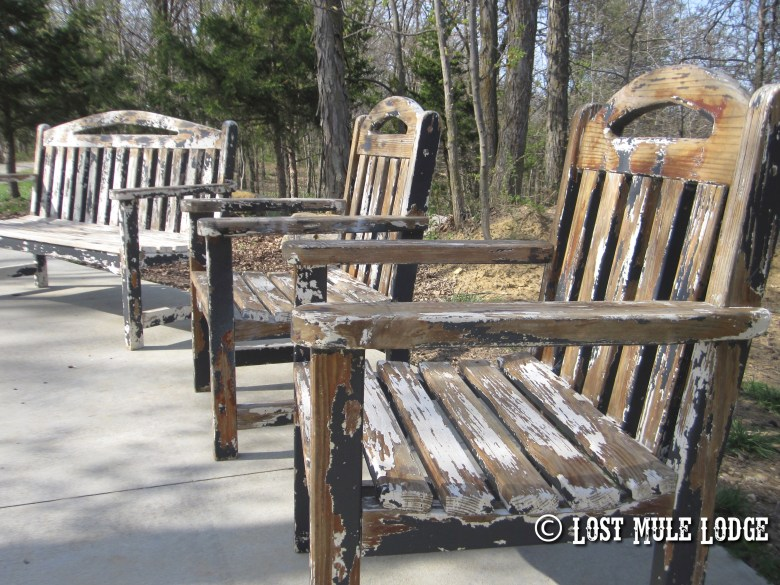 30 Year Old Lawn Furniture Gets a Face Lift, again…
