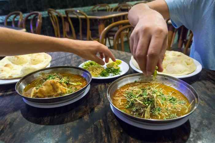 Pakistan bucket list - Nihari for dinner in Lahore - Lost With Purpose travel blog