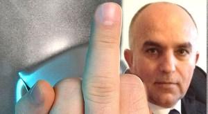 Stinkefinger - middle finger