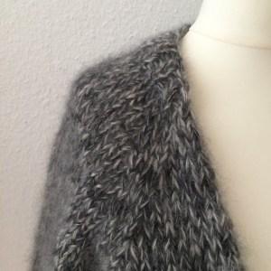 LOTILDA Oversize Strickjacke aus Mohair mit Raglanärmel Bündchen am Halsausschnitt
