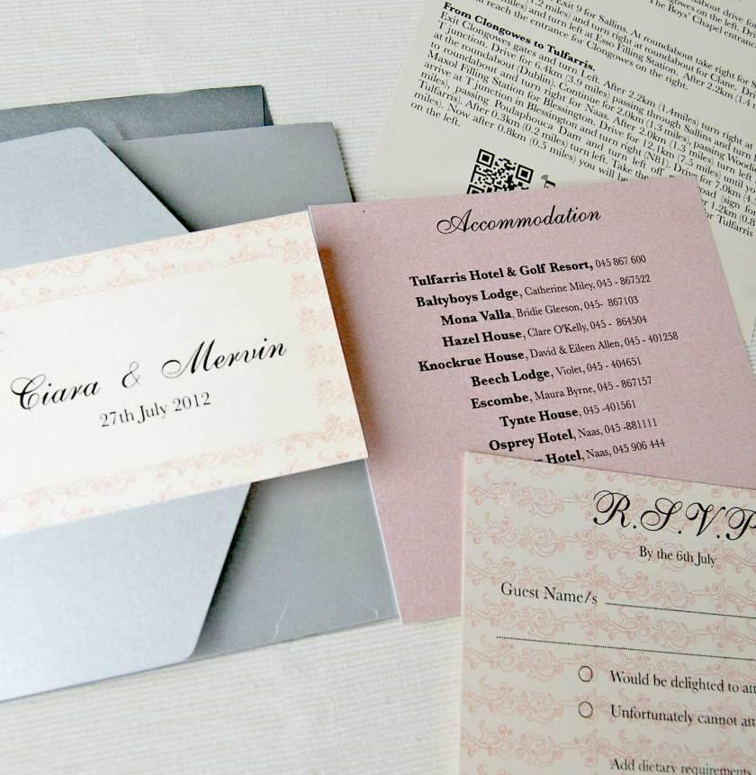 The Design Included Three Insertetallic Envelopes Back