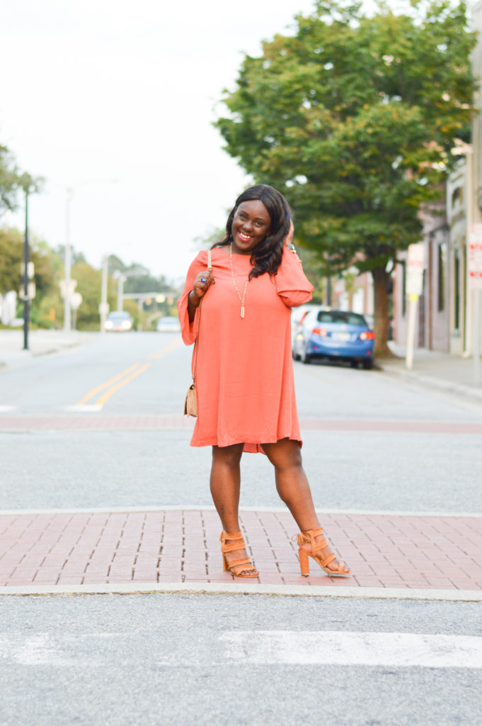 How to wear an orange transitional dress for date night looks at season long