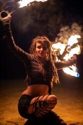 Fire fans performer