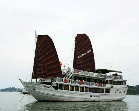 Halong Bay Private Day Cruise