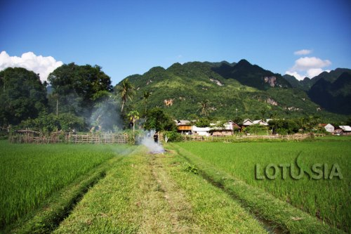 Best 2 Day Mai Chau Trekking and Cycling Tour