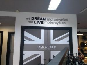 Adesivo decorativo para loja de motos