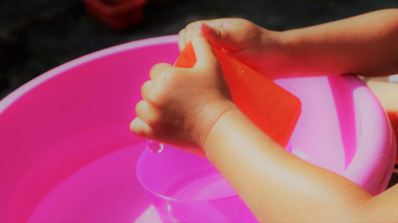 Sensopathisch spelen water bakjes