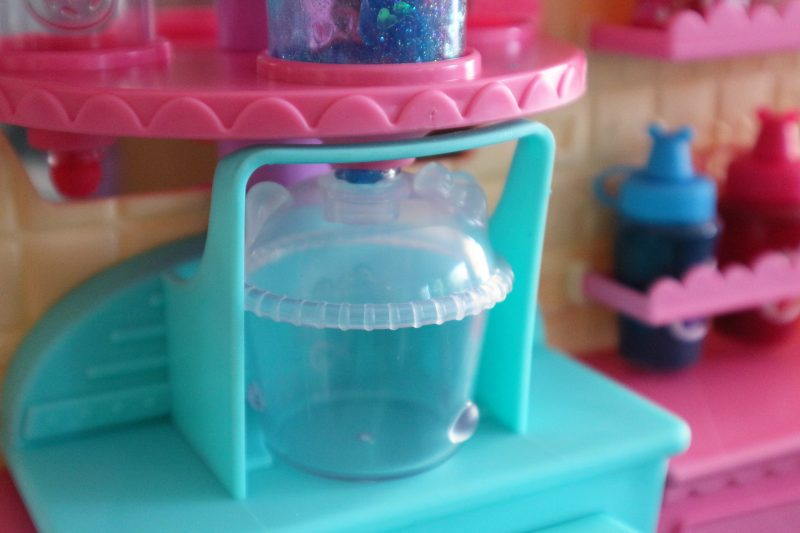 NumNoms Snackables Silly Shakes Maker review