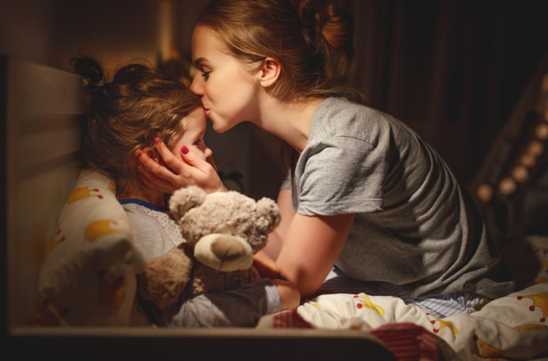 moet je kindje verplicht een kusje geven