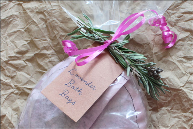 scented herbal bag for bath
