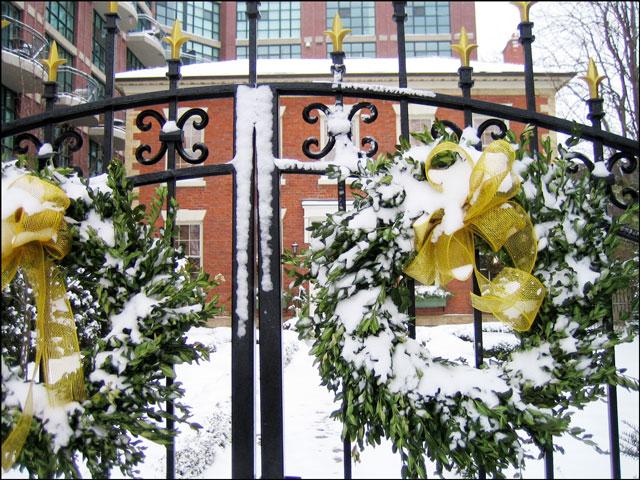 snowy-wreath-farr-house-tor