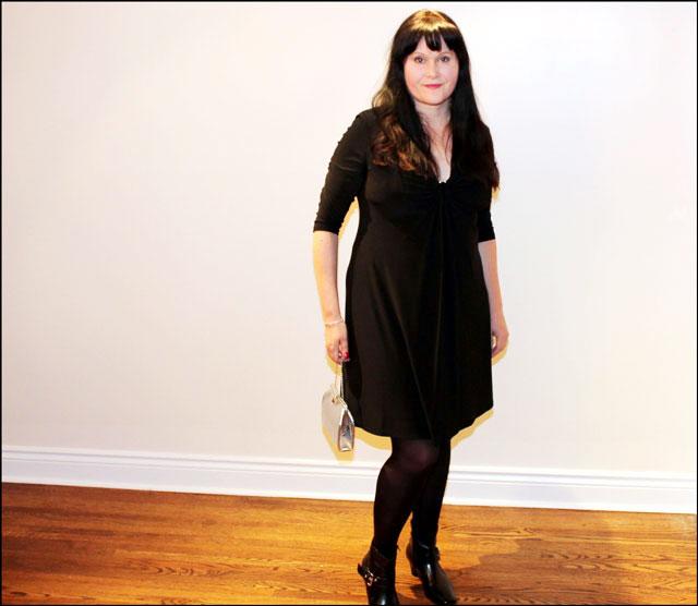 black-dress-silver-purse