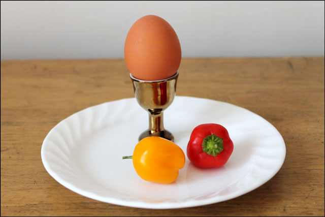 tiny-peppers-and-an-egg