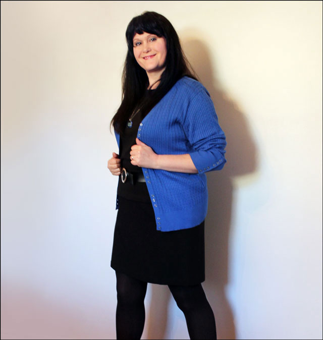 blue-sweater-outfit-03