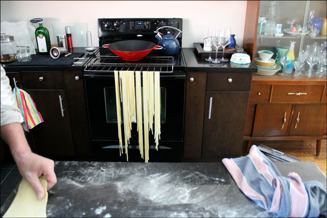 homemade-pasta-drying