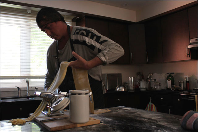 making-homemade-pasta