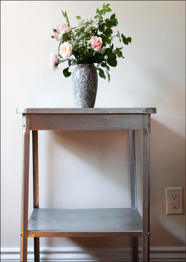 garden-bouquet-on-steel-table