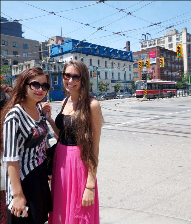 girls-at-king-and-spadina