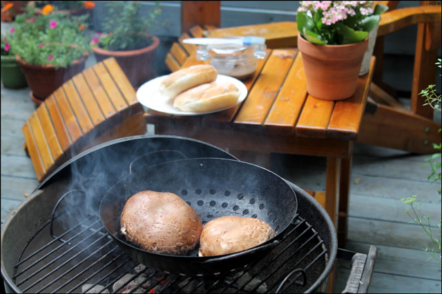 barbecuing-portobello-mushrooms