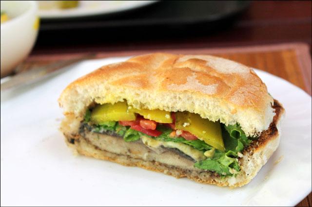 grilled-mushroom-burger-2