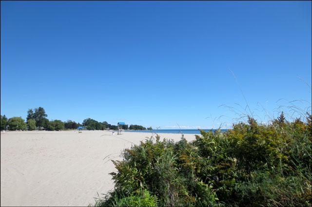beach-in-cobourg