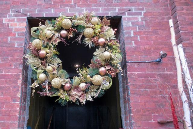 wreath-at-christmas-market-toronto