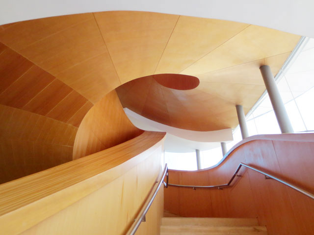 frank-gehry-staircase-ago