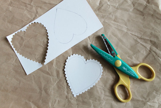 hearts-with-scalloped-scissors