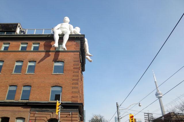 max-streicher-sculptures-inflated-men