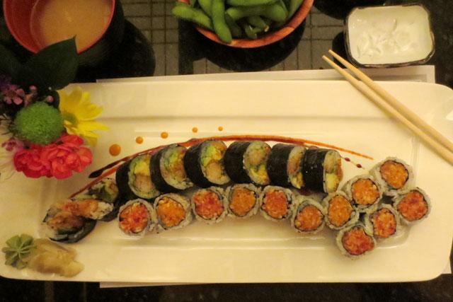 spicy-rolls-dinner-to-ne
