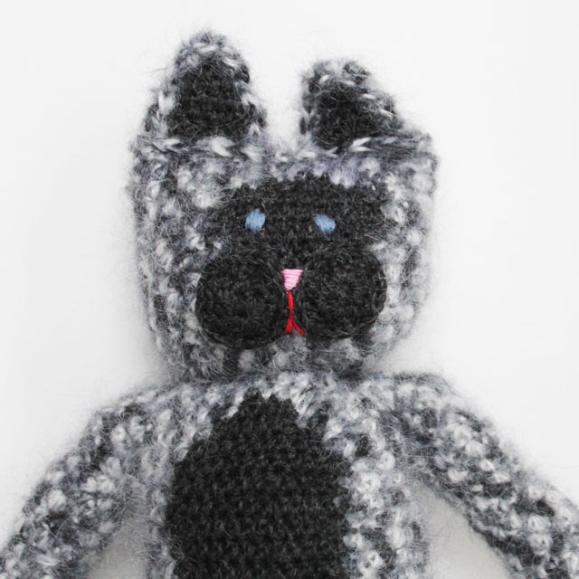 crocheted-cat-doll-face