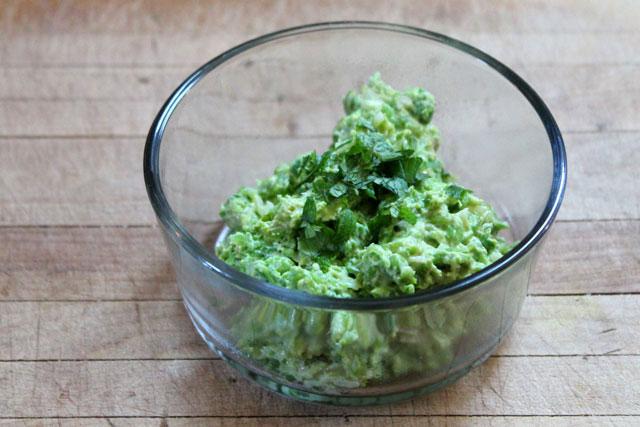 green-pea-crostini-spread-how-to-make-06