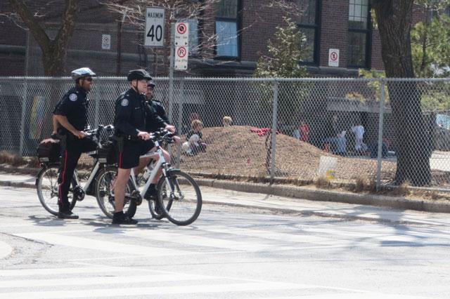 cops-on-bikes-toronto
