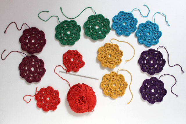 crocheting-Maybelle-Flowers
